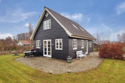 Holiday home Engtoften H- 1044