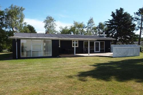 Holiday home H�jholdtsvej A- 1805