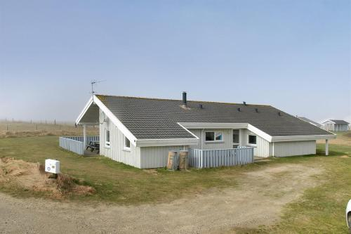 Holiday home H�ng�rdsvej E- 1833