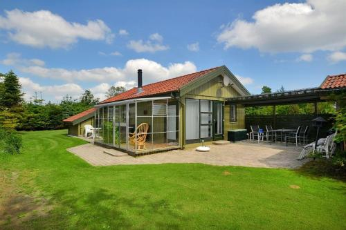 Holiday home Kongelunden F- 2410