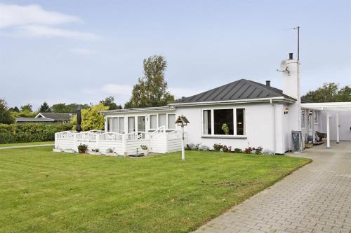 Holiday home N�rholmsvej H- 3236