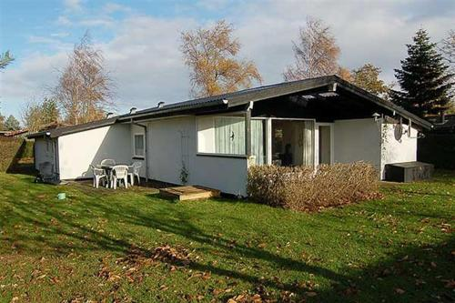 Holiday home Pøt H- 3572