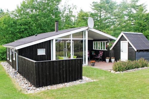Holiday home Røllikevej E- 3785
