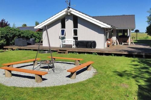Holiday home Rørsangervænget H- 3812
