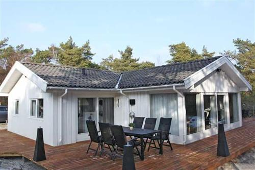Holiday home Skovsangervej H- 4124