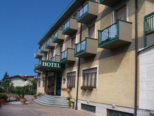 foto Hotel Milanesi (San Zenone al Lambro)