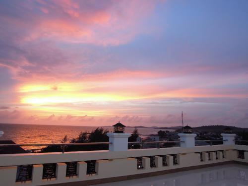 Отель Lighthouse Hotel Phu Quoc 3 звезды Вьетнам