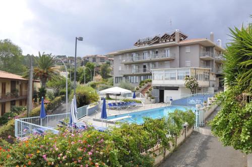 foto Hotel Lachea (Cannizzaro)