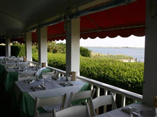 Hotels Near Meschutt Beach Hut Hampton Bays NY