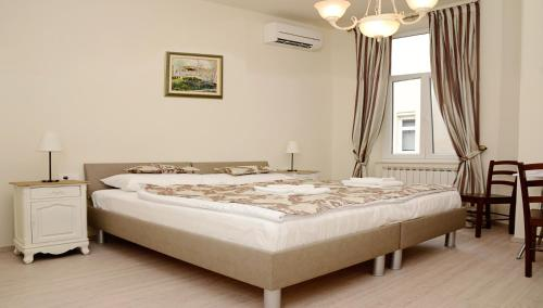 Flowers Premium Apartments & Rooms