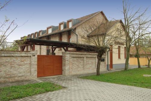 Szigeterőd Apartmanház, Gyula