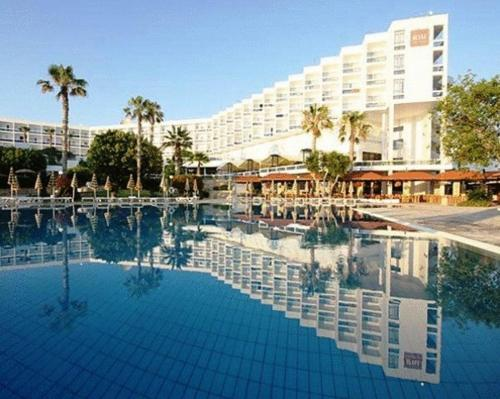 Hotel Riu Cypria Resort