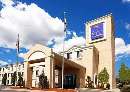 Photo of Sleep Inn & Suites Princeton Hotel Bed and Breakfast Accommodation in Princeton West Virginia