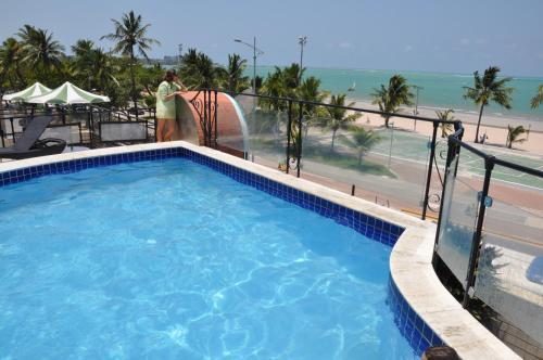 Hotel Verde Mar front view