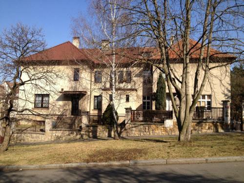 Villa Adam