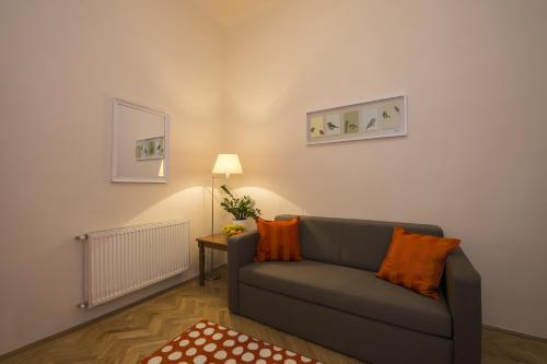 Apartmán se 2 ložnicemi - ulice 1053 Bástya 22 (Two-Bedroom Apartment - 1053 Bástya street 22.)