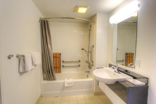 Motel 6 Harrisonburg Hotel