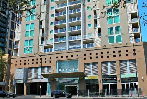 Adelaide DressCircle Apartments - North Terrace photo 3