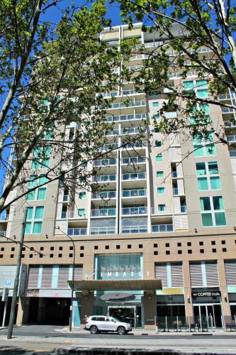 Adelaide DressCircle Apartments - North Terrace photo 4
