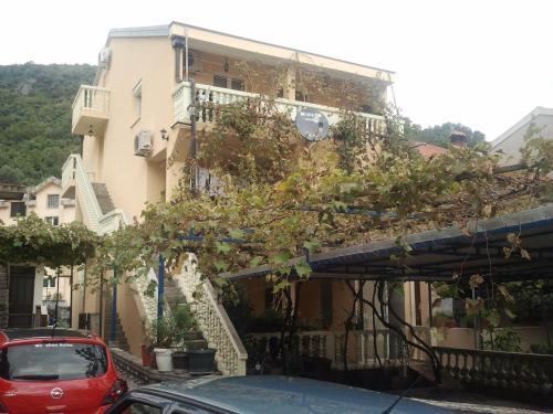 Radović Apartments, 布德瓦