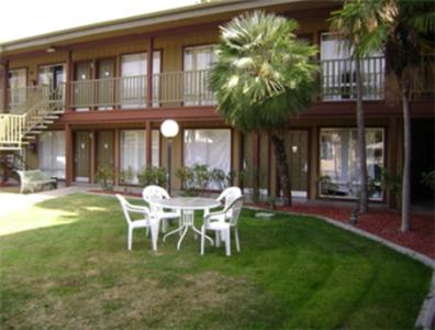 Photo of Americas Best Value Inn Modesto Hotel Bed and Breakfast Accommodation in Modesto California