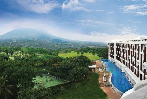 R Hotel Rancamaya front view
