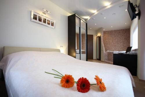 Stay at Vorobei Hotel