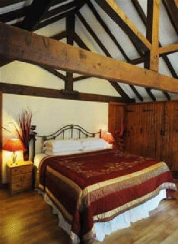 Photo of Bants Hotel Bed and Breakfast Accommodation in Upton Snodsbury Worcestershire