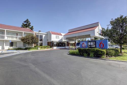 Motel 6 Irvine - Orange County Airport CA, 92705