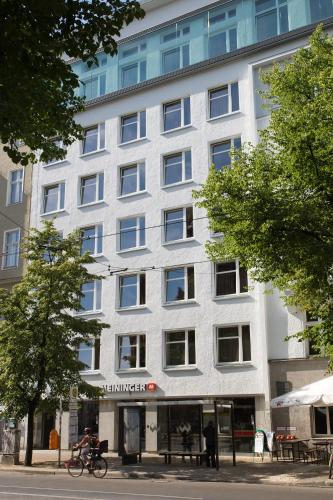 MEININGER Hotel Berlin Mitte photo 3