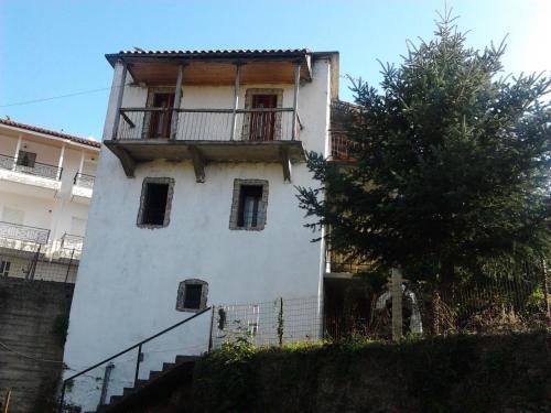 Villa Artemis and apartments, Alagonía