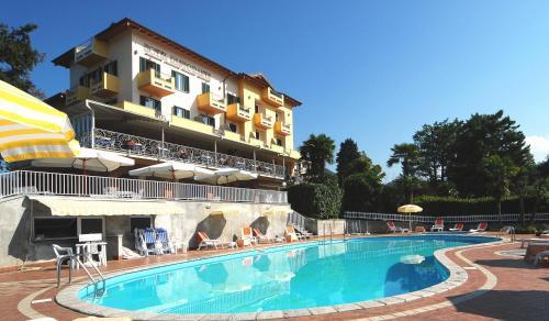 foto Hotel La Bussola (Pella)