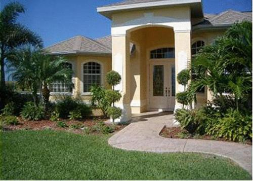 Villa Shannon By Mhb Property Management Inc In Fort Myers Florida