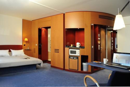 Novotel Suites München Parkstadt Schwabing photo 22