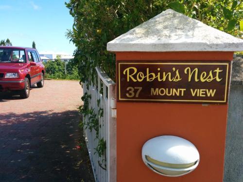 Robins Nest Guest Apartments, Hamilton