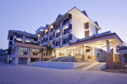Отель Ayara Grand Palace Hotel 4 звезды Таиланд