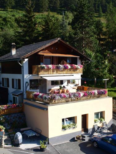 Отель Chasa Avant-Porta 3 звезды Швейцария