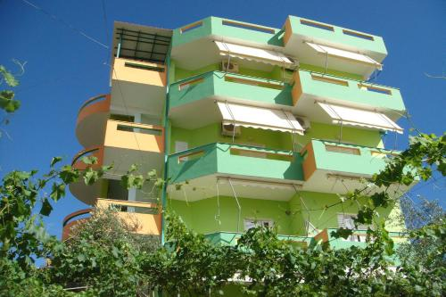 Guest House Luiza & Bushati front view