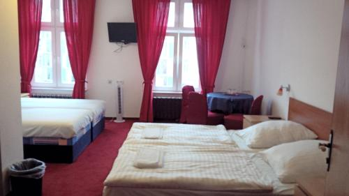 Hotel Märkischer Hof photo 9