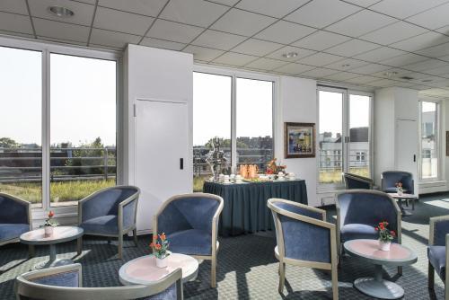 ibis Hotel Berlin Airport Tegel photo 3