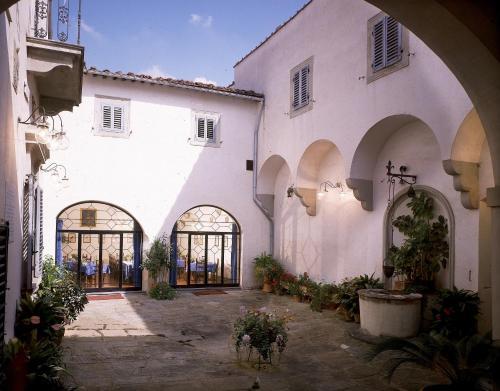 Hotel villa villoresi sesto fiorentino tuscany for Villa villoresi