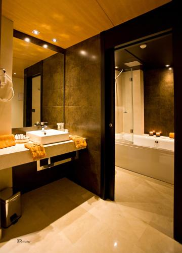 Superior Double Room with Spa Bath Hotel Barrameda 5