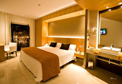 Superior Double Room with Spa Bath Hotel Barrameda 2