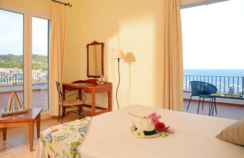 Doppelzimmer mit Meerblick Hotel Sant Roc 2