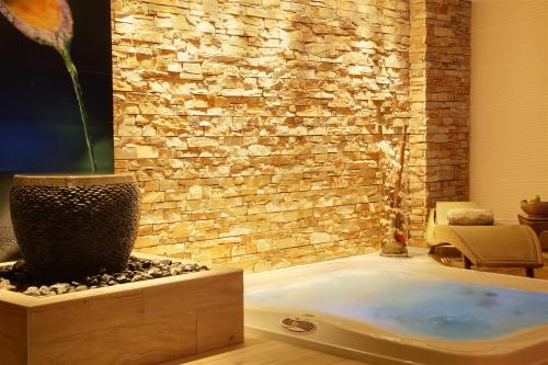 Best Western Le Patio des Artistes Wellness Jacuzzi