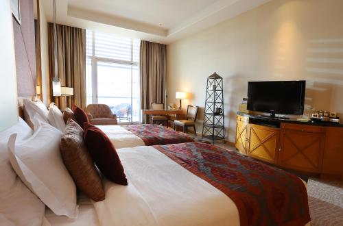Special offer - Grand Room with Gulf View (includes Theme Park or Water Park tickets)