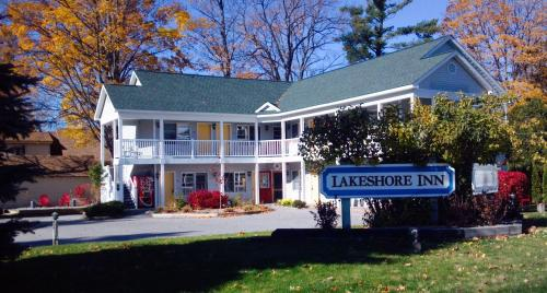 Empire Lakes Inn