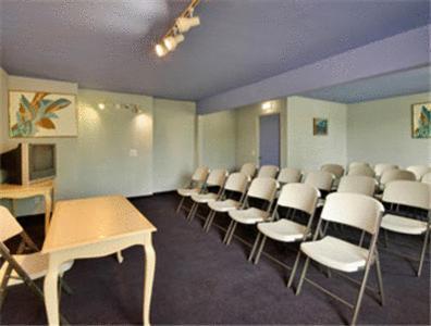 Super 8 Motel - Redlands/San Bernardino Area