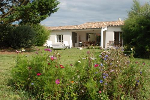 Apartments and Villas - Saint Clement des Baleines