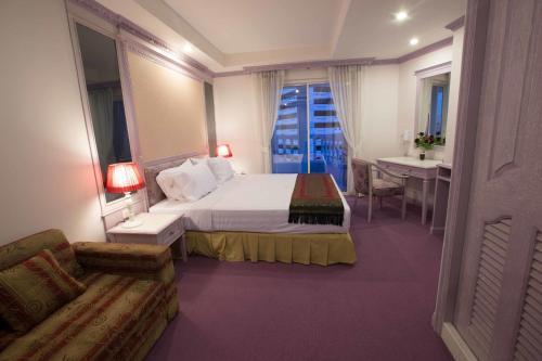 The Brilliant Palace, Бангкок